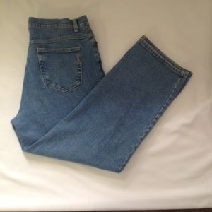 Style & Co. Easy Fit Cropped Jeans